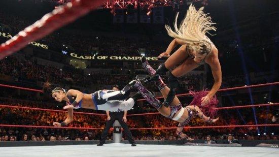 sasha-banks-bayley-charlotte-wwe-clash-of-champions_3794328